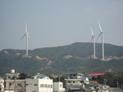 丸山漁港から見える風車