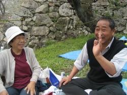 赤田先生ご夫妻と、話が弾みます