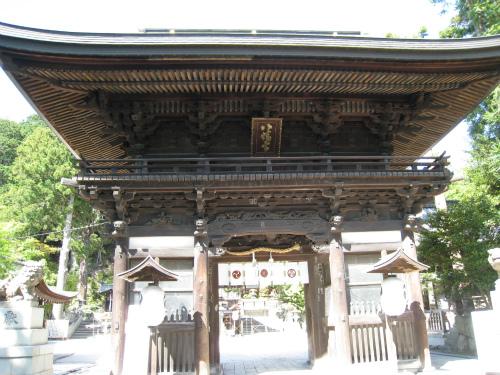 日牟禮(ひむれ)八幡宮